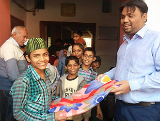 Donation-at-Orphanage-Home2